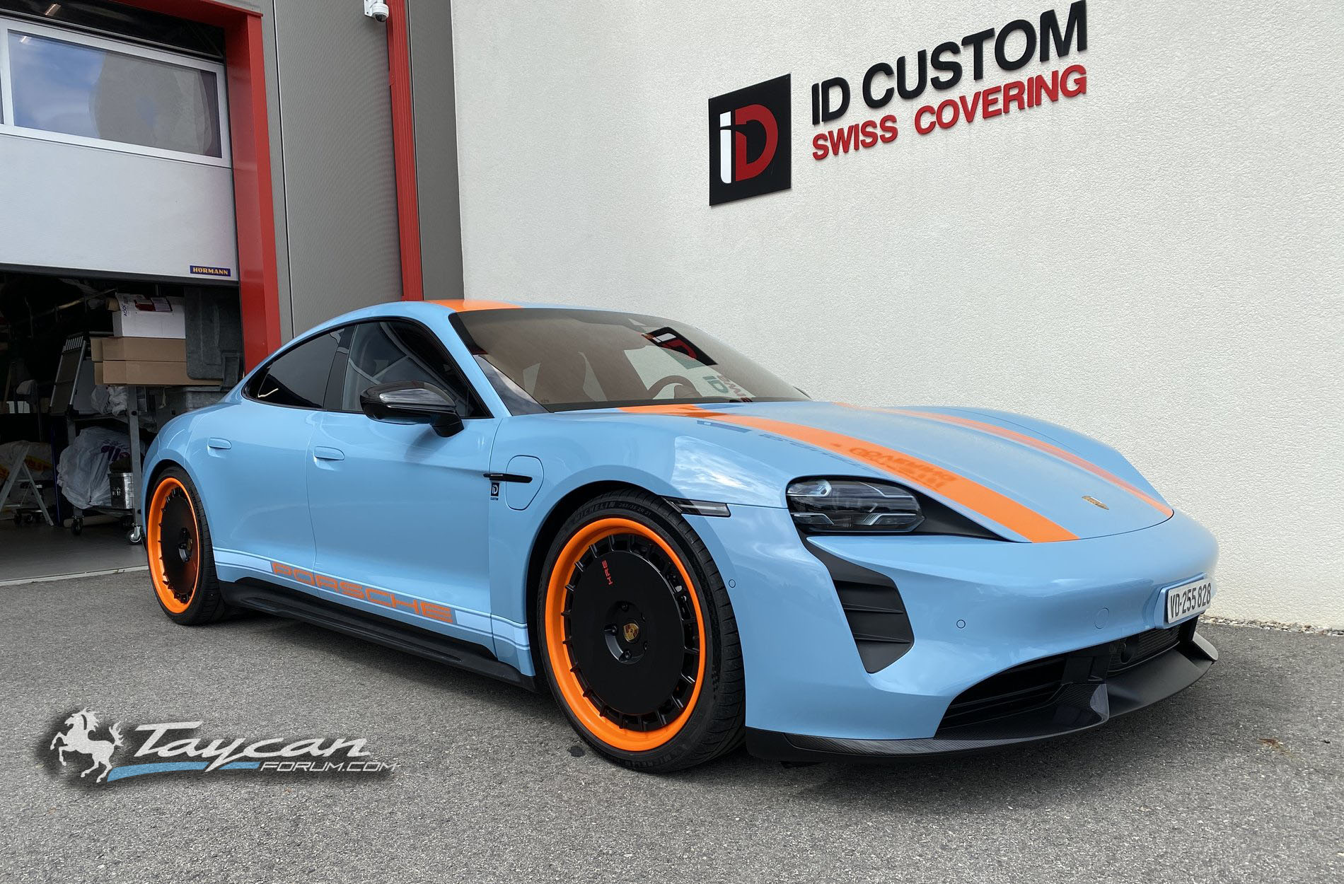 Wrapped Taycan R Gulf Livery HRE WHeels 1.jpg
