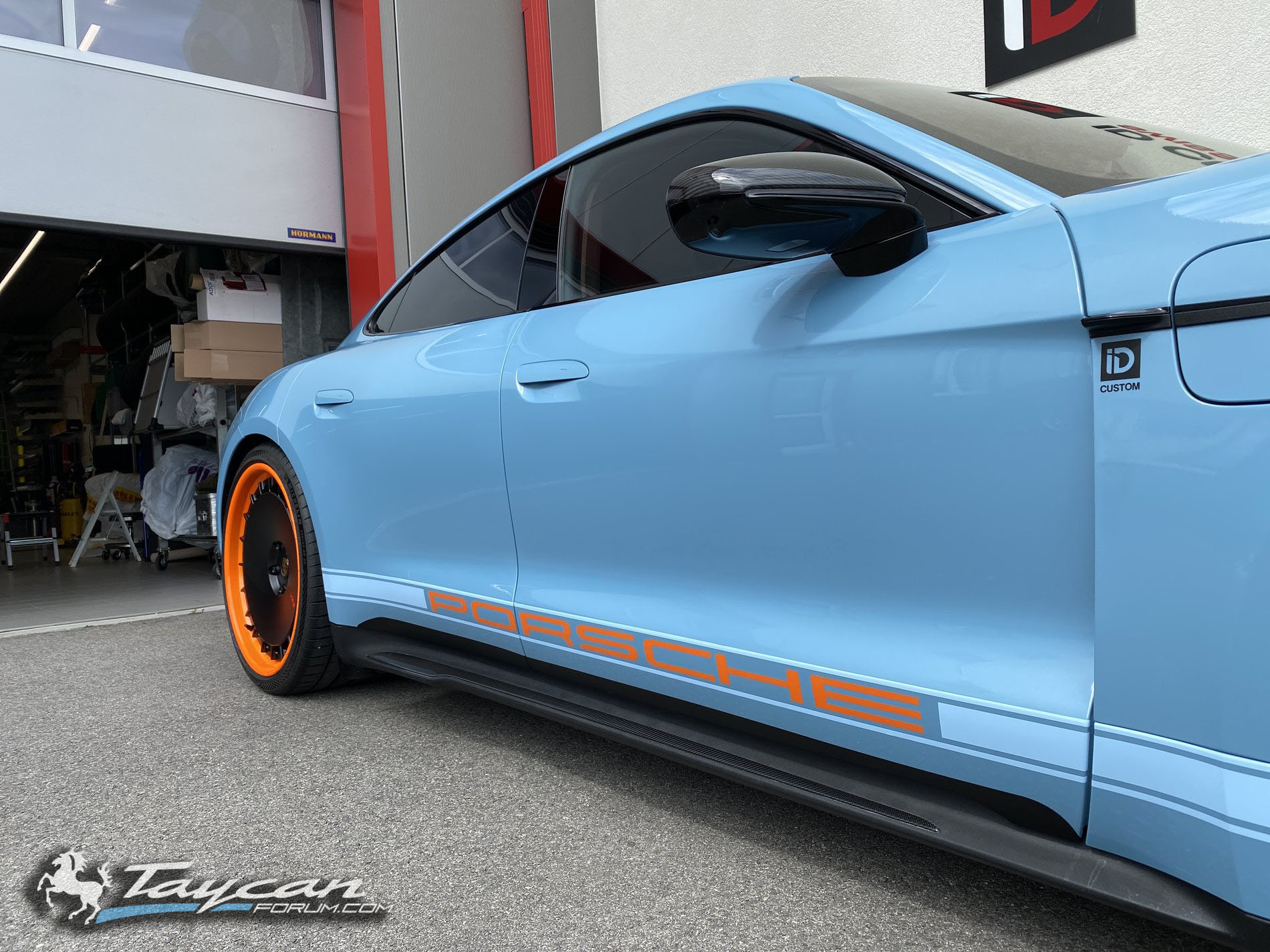 Wrapped Taycan R Gulf Livery HRE Wheels 2.jpg