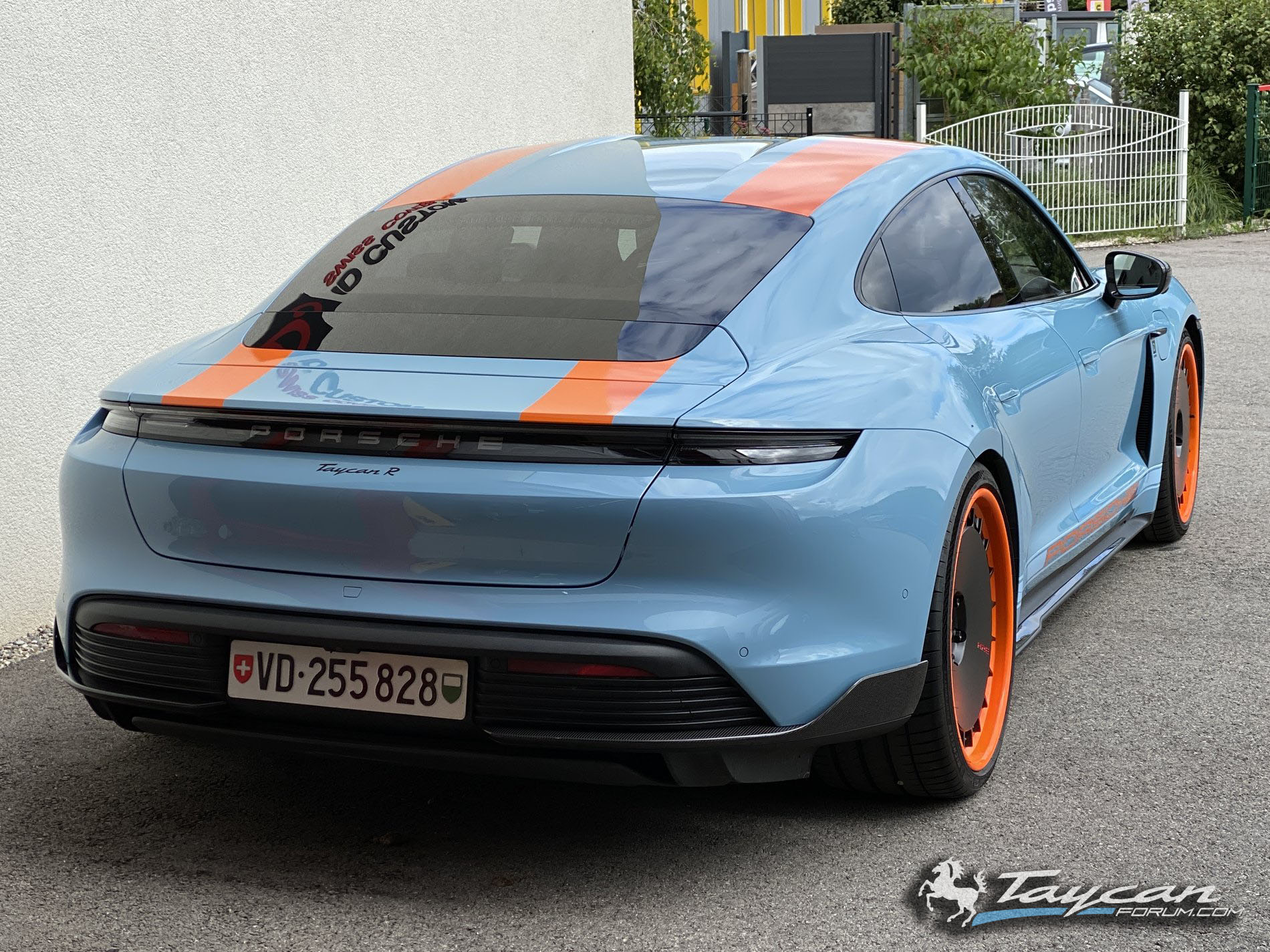 Wrapped Taycan R Gulf Livery HRE Wheels 3.jpg