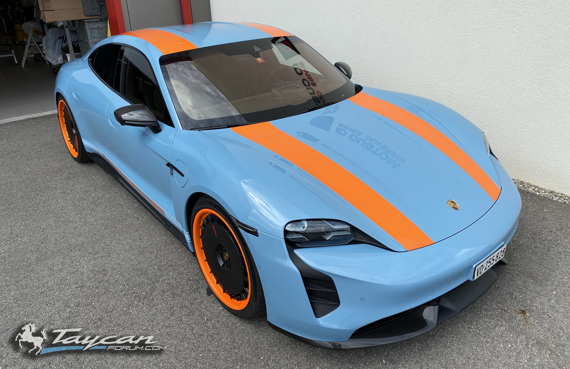 Wrapped Taycan R Gulf Livery HRE Wheels 4.jpg
